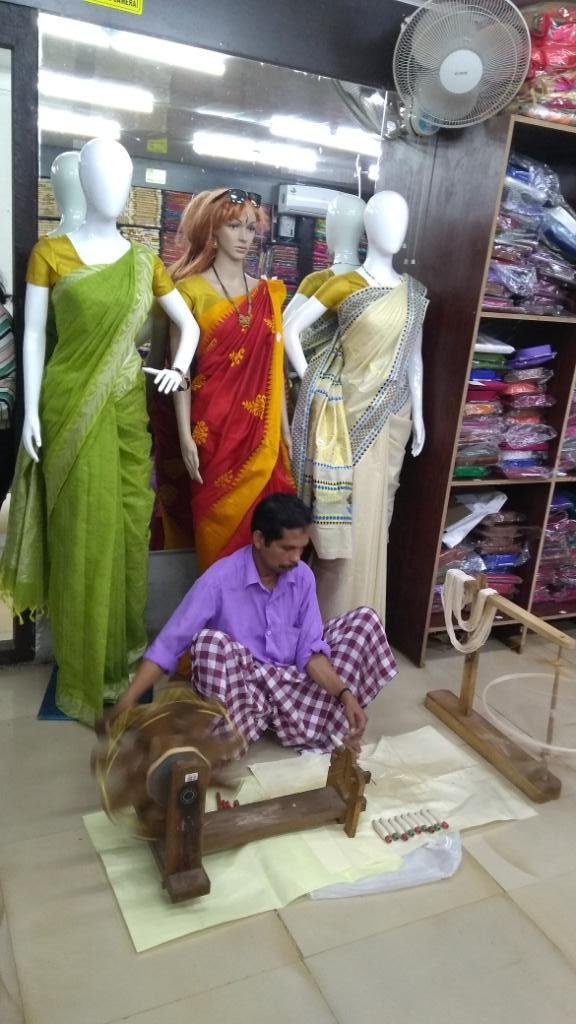 41 Saree Making Munnar